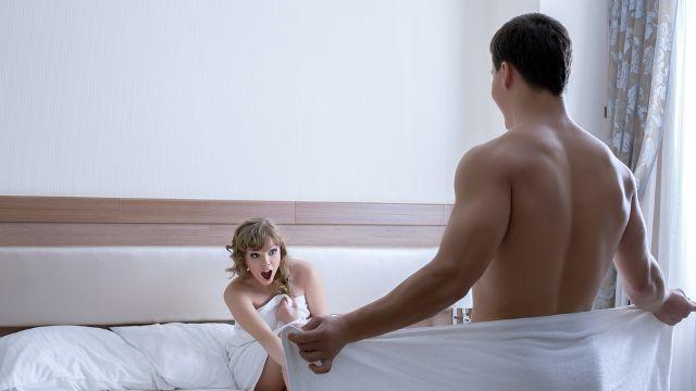 penis masculin cu corpuri străine erecție după șaizeci de ani