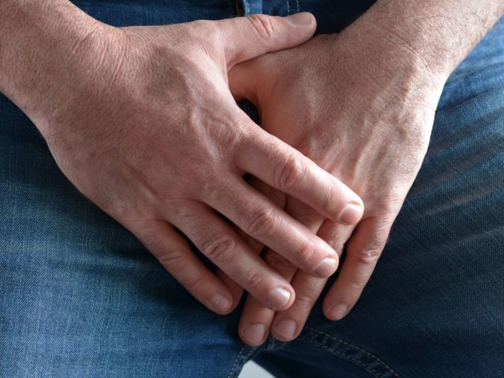 penis dislocat cum se mărește penisul și se întărește erecția